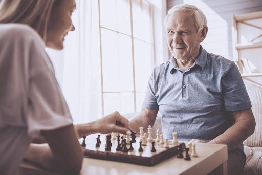 dbanie o aktywności umysłowe seniora